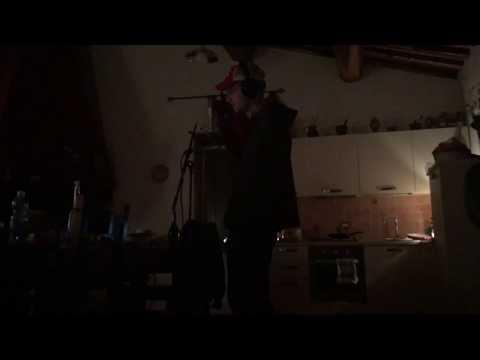 Aufnahmesession (in einer Küche in Italien) von DAT ADAM