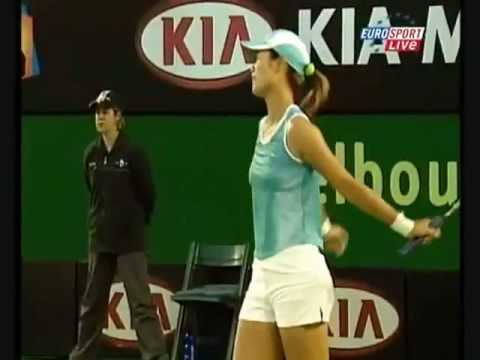 "Crowd laughs at Maria Sharapova and yells ""Shut Up!"""