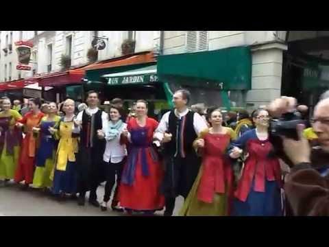Flash mobs pour la fête de la Bretagne rue Daguerre à PARIS 14eme