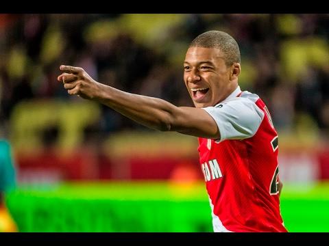 Mbappé skills : le coup du foulard ! - AS Monaco