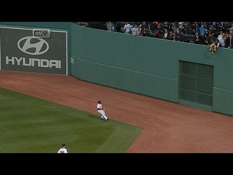 Video: Ellsbury rips a disputed triple to center