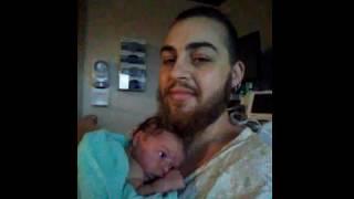 5 שנים אחרי שילד תינוק כאישה, האיש הזה הביא ילד לעולם