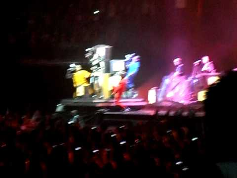 "Rihanna Live ""Rude Boy"" with boob slip @ The O2 Arena. 10.05 ..."