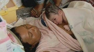 Typhoon Haiyan: Baby birth in Tacloban evacuation centre caught on camera