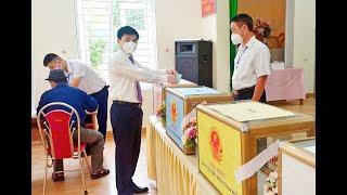 Chủ tịch UBND Thành phố Nguyễn Mạnh Hà tham gia bỏ phiếu bầu cử đại biểu Quốc hội khóa XV và đại biểu HĐND các cấp nhiệm kỳ 2021-2026 tại khu vực bầu cử số 4, khu Nam Sơn, phường Nam Khê