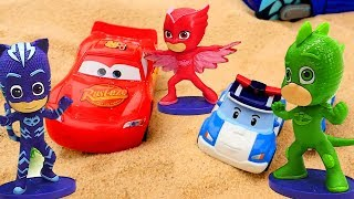 Learn numbers with toys and 🚗 toy cars on #TToyZZ channel! Welcome to a toy kindergarten, here toys and toy cars learn to count with Megan. Today toy robocar Poli 🚓 Lightning McQueen 🏎️ and PJ Masks Catboy 🐱 Gekko and Owlette 🦉 learn numbers 1 to 5, play on a playground and eat 🍰 Play Doh apple pie! Let's learn numbers for kids together! Have fun, learn to count and play with toys and toy cars on #toyschannel! Kids educational videos and toy cars videos with robocar Poli toys, Lightning McQueen toys and PJ Masks toys. Find us in VK https://vk.com/kidsfirsttvFacebook https://www.facebook.com/KidsFirstTVand https://www.facebook.com/KapukiKanukiWelcome to the #ttoyzz channel! Play with #toysforboys and #toysforgirls. Watch #toyschannel with differents toys: #tayolittlebus toys, #legotoys and other toys for boys and girls.Subscribe here https://www.youtube.com/c/TToyzz and play with toys!Tayo the little bus English cartoon for kids and find Tayo English stories here https://www.youtube.com/watch?v=AecrvXLwZJc&list=PLcydIP1OHtnyY9-qObw5Y-i64bkOlovli