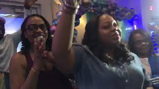 Video Clowns Dancers Surprise at Dave & Busters MP3, 3GP, MP4, WEBM, AVI, FLV November 2018