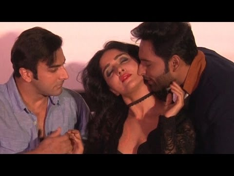 Video Ishq Junoon Actors Make Out In Public | SHOCKING VIDEO download in MP3, 3GP, MP4, WEBM, AVI, FLV January 2017