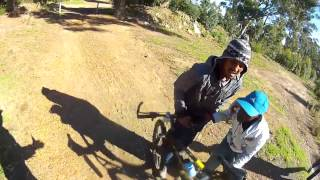Le robaron su bici a punta de pistola... y lo grabó todo con su GoPro