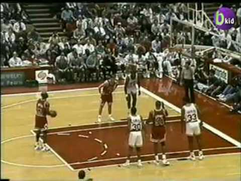 Hakeem, Rockets beat Jordan, Bulls - 1/30/1992