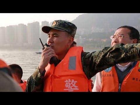 Kίνα:  Λεωφορείο έπεσε από γέφυρα