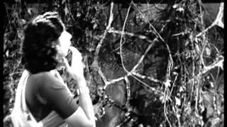 The Smart Pickpocketer - Raj Kapoor - Awaara - Nargis - Black And White Films