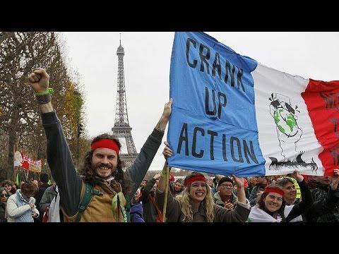COP 21: «Πολύχρωμες» διαδηλώσεις κατά της κλιματικής αλλαγής