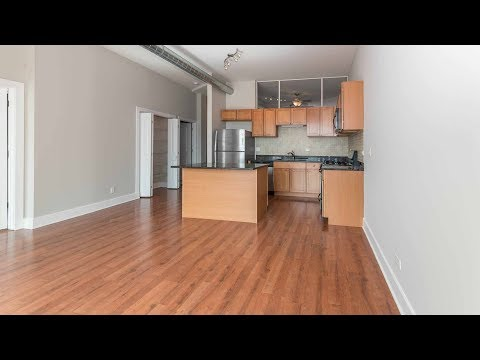 A Bucktown 2-bedroom, 2-bath a block from the CTA Blue Line