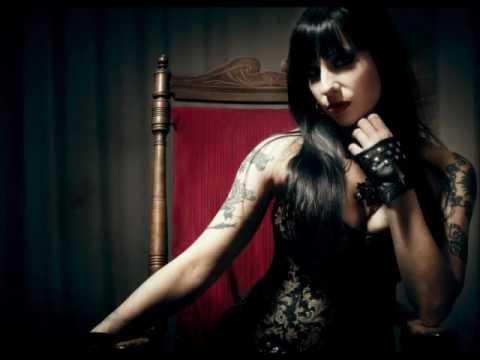 Tekst piosenki Sister Sin - Running Low po polsku