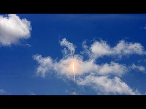 """Esplsione del razzo di SpaceX """"Falcon 9"""""""