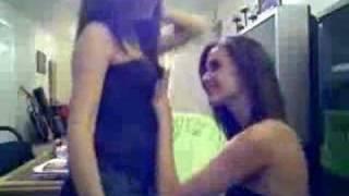 www.msnshowtime.com kızları msn de hünerlerini sergiliyor webcam şov seksi kızlar ve dansları için hemen tıklayın.