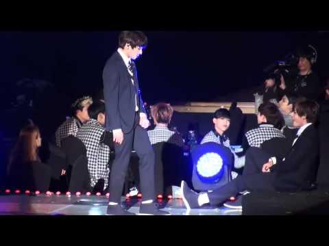 Boy - 150122 GOT7 reaction to BTS - Boy in Luv @ Seoul Music Awards 2015.