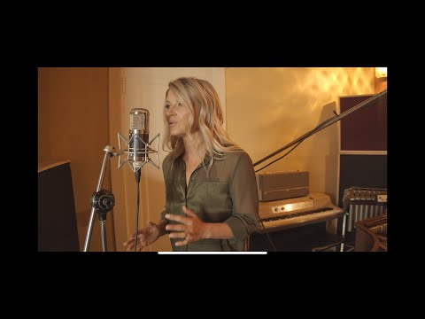Fiona Culley Cover of OCEAN by Lady Antebellem