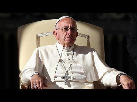 Σε όλους τους καθολικούς ιερείς το δικαίωμα να συγχωρούν τις αμβλώσεις