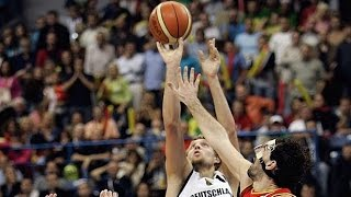 Spain play Dirk Nowtizki and Germany in the 2005 European Championship semi-finals. Classic match. Full game in Spanish.👍 and subscribe for more international basketball videos ► http://bit.ly/SubWorldBasketballBox score ► http://www.fiba.com/pages/eng/fa/game/p/gid/A/grid/36/rid/4328/sid/3769/_/2005_EuroBasket/statistic.html