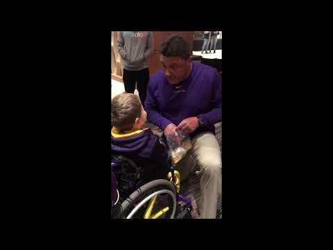 Ed Orgeron meets LSU superfan Colton Moore in Tuscaloosa before Alabama game