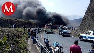 Tráiler choca con autobús en Veracruz