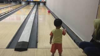 bowling time for lane kid