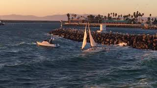 Video Dramatic Redondo Beach Harbor Rescue MP3, 3GP, MP4, WEBM, AVI, FLV Februari 2019