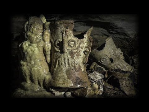 Mexican archaeologists find Maya artifacts in cave