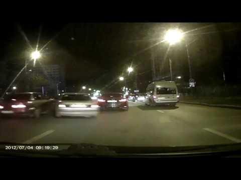 Авария ни Профсоюзке Тюмень (22.10.17) (видео)
