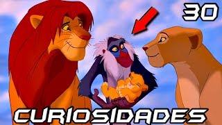 """30 cosas que quizás no sabías de The Lion King  30 Secretos de El Rey León  Los 30 mejores datos de El Rey León   Walt Disney Pictures ● ● ● ● ● ● ● ● ● ● ● ● ● ● ● ● ● ● ● ● ● ● ● ● ● ● ● ● ● ● ● ● ● ● ► ¡Sígueme en Twitter! https://twitter.com/NeiterAllGame► ¡Bienvenido a la infancia! http://goo.gl/a96yGf● ● ● ● ● ● ● ● ● ● ● ● ● ● ● ● ● ● ● ● ● ● ● ● ● ● ● ● ● ● ● ● ● ● Si el vídeo te ha gustado, házmelo saber dándole manito arriba y dejando tu comentario. Sería fantástico si lo compartes con tus amigos.Y si es primera vez que ves uno de mis vídeos, te doy la bienvenida.Saludos desde Venezuela!----------------------------------------------------------------------------------------------------------Curiosidades (Referencias – Parodias – Cameos – Secretos - Easter Eggs – Errores)-----------------------------------------------------------------------------------------------------------►Curiosidades1. Es la película de animación 2D más taquillera en la historia del cine. Logrando recaudar más de 968 millones de dólares.2. La letra de la canción inicial está escrita en el idioma zulú, una lengua perteneciente al continente africano. 3. El título original para la película iba a ser """"El Rey de la Selva"""". Claro que después la idea fue desechada, cuando el equipo de producción se dio cuenta de que los leones realmente no habitan en la selva, sino más bien, en la sabana.4. A diferencia de otros leones, las garras de Scar se muestran a lo largo de toda la película. 5. La escena donde Scar reúne a todas las hienas en un gran ejército fue inspirada en Hitler comandando a un gran grupo de soldados. 6. Simba significa """"León"""", Nala significa """"Regalo"""", Sarabi (la madre de simba) significa """"Espejismo"""" y Rafiki significa """"Amigo"""". 7. La escena de la estampida, fue una de las más difíciles de producir. 8. La muerte de Mufasa se considera como uno de los momentos más tristes y traumáticos de una película Disney. 9. Con el fin poder perfeccionar los dibujos y hacerlos de la manera más """