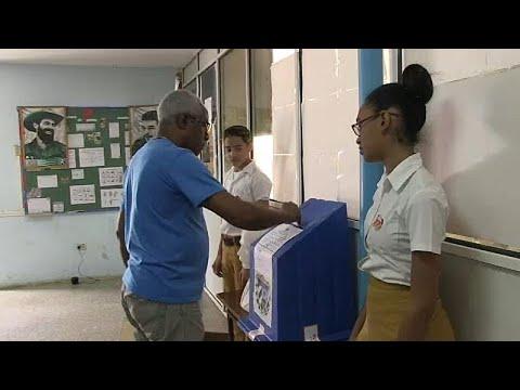 Οι πολίτες της Κούβας αποφασίζουν για τη συνταγματική αναθεώρηση…