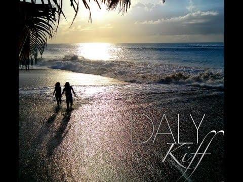 Daly - kiff L'ALBUM '' LE DALYCIOUS '' juin 2013 LE SINGLE A TÉLÉCHARGER GRATUITEMENT ( FREE FREE FREE ) SUR ... http://www.allmol.com/?r=210052 https:/...