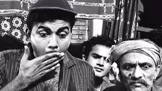 Mehmood Finds Out Thief Accidently  Grahasti Hindi Movie Comedy Scene