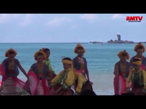 Tari Pesona Lombok Sumbawa Sambut Kedatangan Presiden