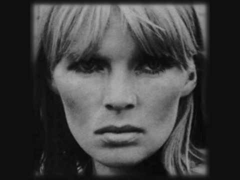 Tekst piosenki Nico - My Heart Is Empty po polsku