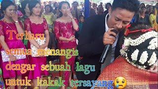 Video Pernikahan kakaK. Adik nyanyikan lagu ITO NABURJU  sedih😥 MP3, 3GP, MP4, WEBM, AVI, FLV Juli 2019
