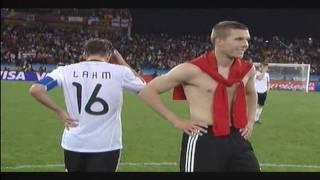 WM 2010: Puyol trifft gegen Deutschland