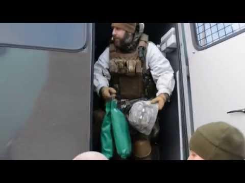 """Батальон """"Азов"""" срочно перебрасывают на помощь киборгам"""
