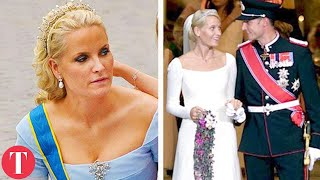 Video 10 Royal Couples That Will Make You Forget Harry & Meghan MP3, 3GP, MP4, WEBM, AVI, FLV Oktober 2018
