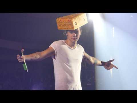 az - One Direction - Harry Wearing a Cheese Head - FRONT ROW - Phoenix, AZ - 9.16.14 Twitter: @Never_Sometimes Instagram: NeverSometimesTV Tumblr: NeverSometimesTV.tumblr.com.