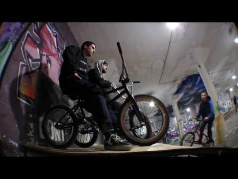 INDOOR BMX ADVENTURES (видео)