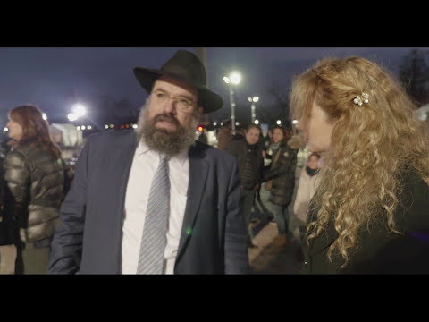 "Miri plays ""Nigun"" for Chabad"