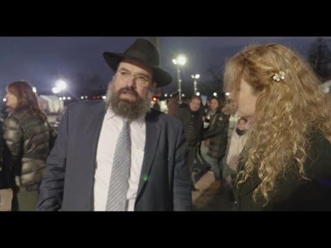"Miri plays ""Nigun"" for Chabad"