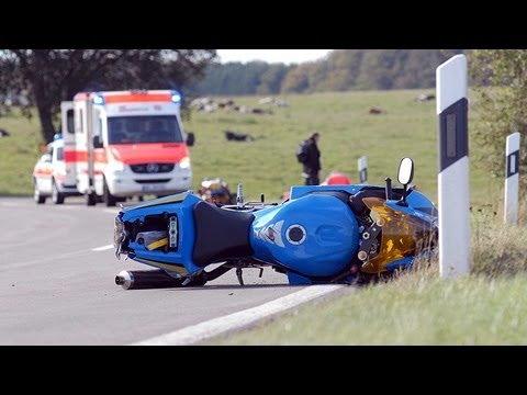 Diemelsee: Motorradfahrer in Klinik geflogen