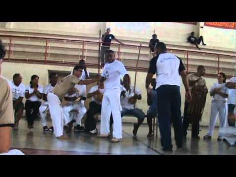 Mestre Reginaldo Santana na 1º confraria de capoeira em Passos MG..MPG