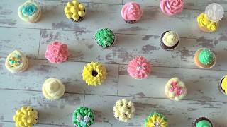 Decora tus cupcakes con duyas de diferentes formas y betún de colores.
