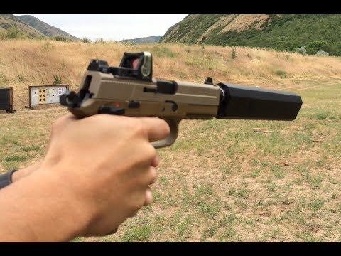 手槍裝上最新100%滅音器, 結果空彈殼彈出聲音比開槍聲音還