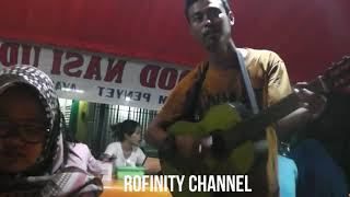 Video Fikoh bernyanyi bersama PENGAMEN Saat makan malam MP3, 3GP, MP4, WEBM, AVI, FLV Juli 2019